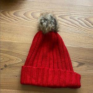 Old navy Pom Pom hat